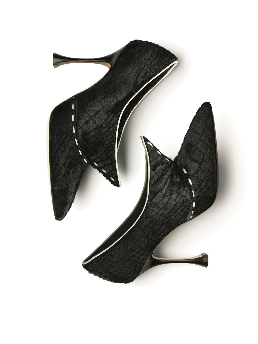 A black embossed shoe bootie