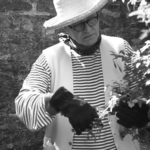 Manolo gardening